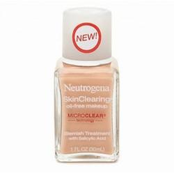 Kem nền Neutrogena SkinClearing Oil-Free