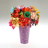 Thêm hoa trên bàn làm việc thêm sáng tạo