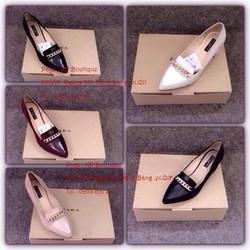 giày hộp đế vuông mũi nhọn viền xích cực sang
