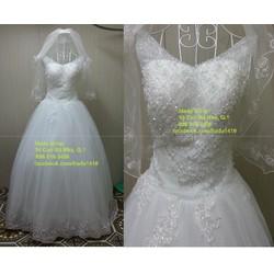 áo cưới cổ V