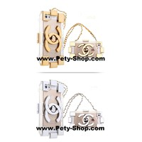 Ốp lưng Chanel Logo Clutch trong iPhone 5 iPhone 5S