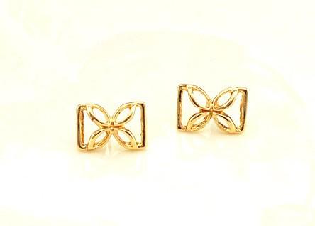 Bông tai 2 chữ D ngược hình hoa 2