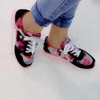 Giày bata bánh mì họa tiết beo chỉ còn đỏ 35