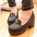 Giày Loafer chunky chữ thập