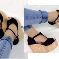 Giày sandals xuồng chữ Y