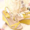 Giày Đế xuồng màu vàng