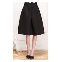 Chân váy xòe xếp ly giữa thời trang