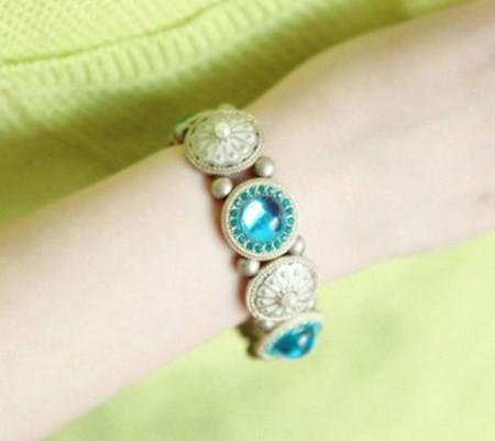 Vòng tay vintage đá xanh ngọc 2
