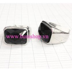 Nhẫn inox nam cẩn đá đen vuông