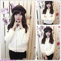 Áo khoác lông màu trắng cực iu