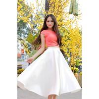 Chân váy xòe trắng đẹp như Hương Giang