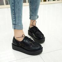 Giày bánh mì Ren G-81