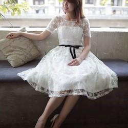 Đầm ren trắng cúp ngực sang trọng