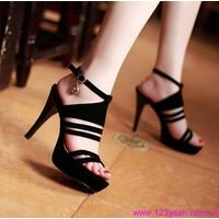 Giày cao gót hàng hiệu 247 chất sành điệu GCG38
