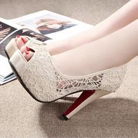 Giày cao gót ren