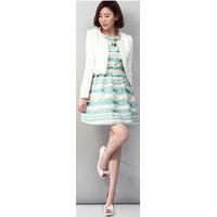 Đầm voan sọc trắng xanh kiêu kỳ