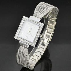 Đồng hồ lắc đính hạt mặt vuông