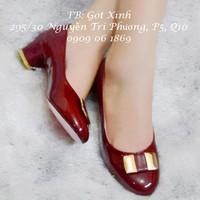 Giày gót vuông mũi tròn tag sắt vuông