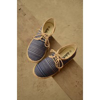Giày mọi thổ cẩm