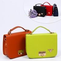 Túi hộp Prada Khóa Vàng  NV Fashion