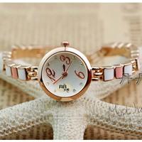 Đồng hồ nữ sang trọng E 978