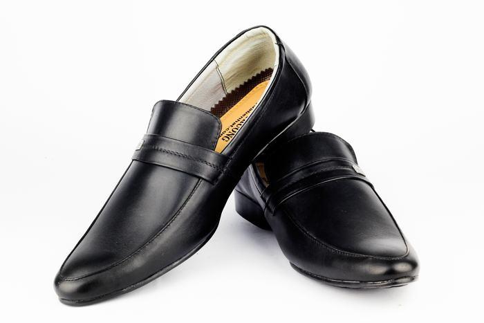 giay tay cao cap mui bong tron da cao cap nhap khau 1m4G3 2 2k328hq6a0pdd Tại sao cần phải lựa chọn giày đá bóng?