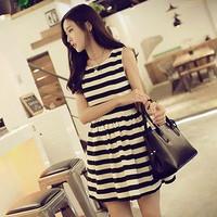 Đầm sọc ngang chân váy xòe - 1021