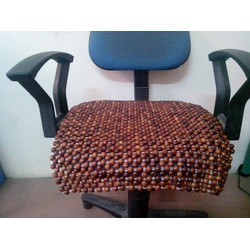 Đệm ghế văn phòng bằng hạt gỗ hương