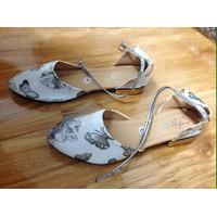 Giày Sandal Bít Mũi In Hoa Nổi 3D. Cam Đoan Rẻ Nhất Sendo