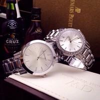 Đồng hồ đôi  Burberry sang trọng