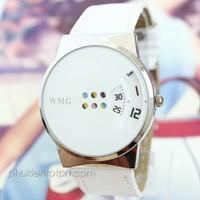 Đồng hồ WMG giờ phút chạy dọc độc đáo