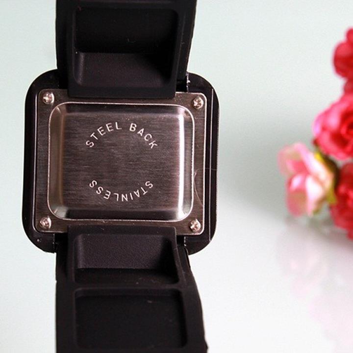 đồng hồ led cảm ứng chông nước 5