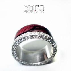 Nhẫn bạc ốp gỗ cẩm Lai và đính 60 viên đá topaz