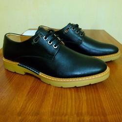 Giày da công sở, kiểu dáng sang trọng, lịch lãm