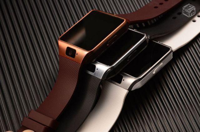 Đồng hồ điện thoại DZ09 và tai nghe bluetooth S1000 2