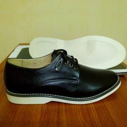 Giày da công sở TT06 thiết kế trẻ trung, năng động