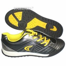 Giày đá banh sân nhân tạo Clark