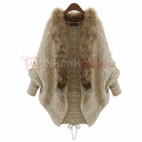 Áo khoác len tay dơi viền lông