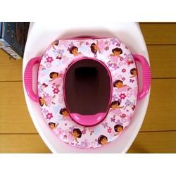Tấm lót bồn cầu cho bé đi vệ sinh Disney