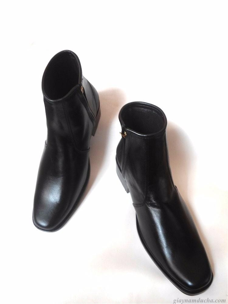 Giày boot da bò thật.BH: 12 tháng 2