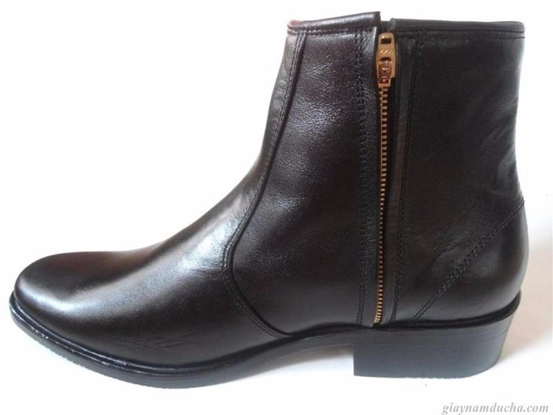 Giày boot da bò thật.BH: 12 tháng 4