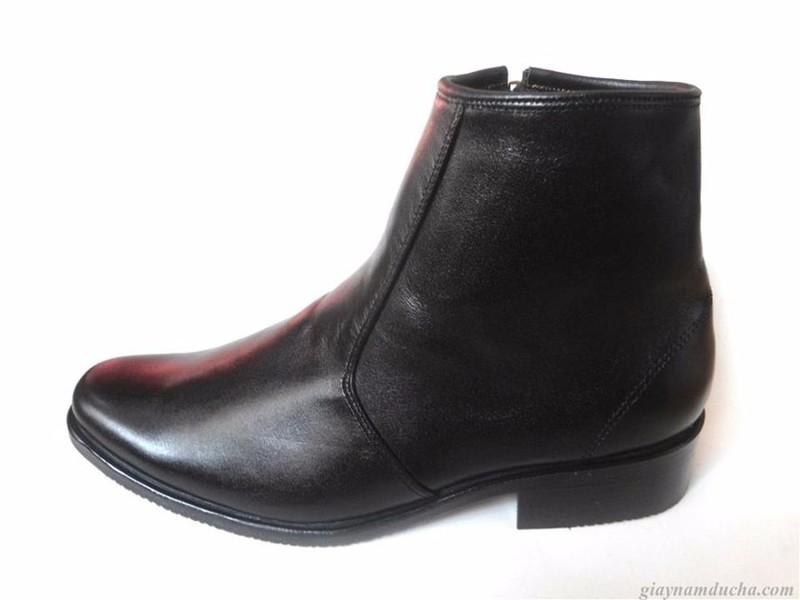 Giày boot da bò thật.BH: 12 tháng 3