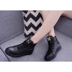 Giày bata ca rô cổ cao màu đen