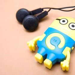 Máy mp3 Minion tặng kèm tai nghe nhét tai