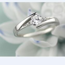 Nhẫn bạc đính đá sang trọng
