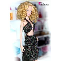 Len móc búp bê Barbie