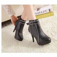Mã MM90092 - Boots cổ thấp sành điệu