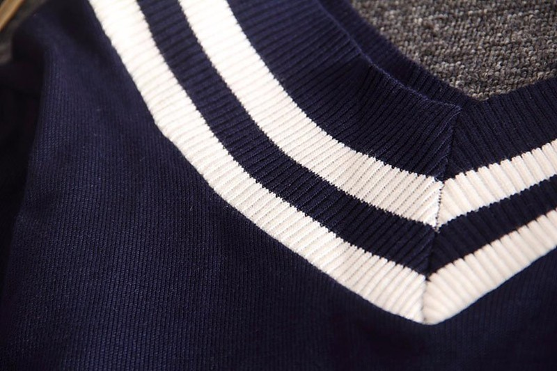 Áo len cổ viền trắng TADM1000 4