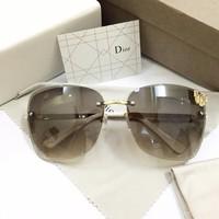 Kính Dior bướm thời trang