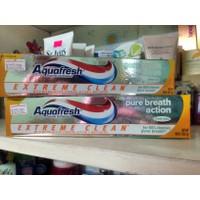 Kem đánh răng Aquafresh Pure Breath Action Cam